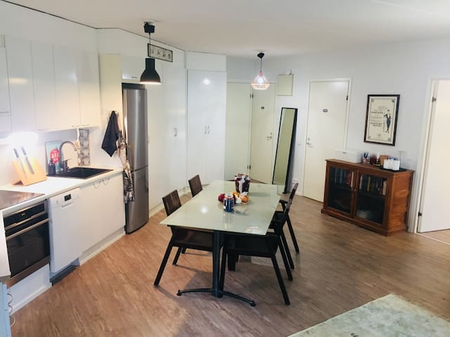 Vantaa, Entire home with own terrace and sauna