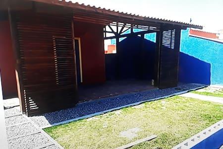 Laguna - SC. Casa 100 m do mar Praia do Sol .
