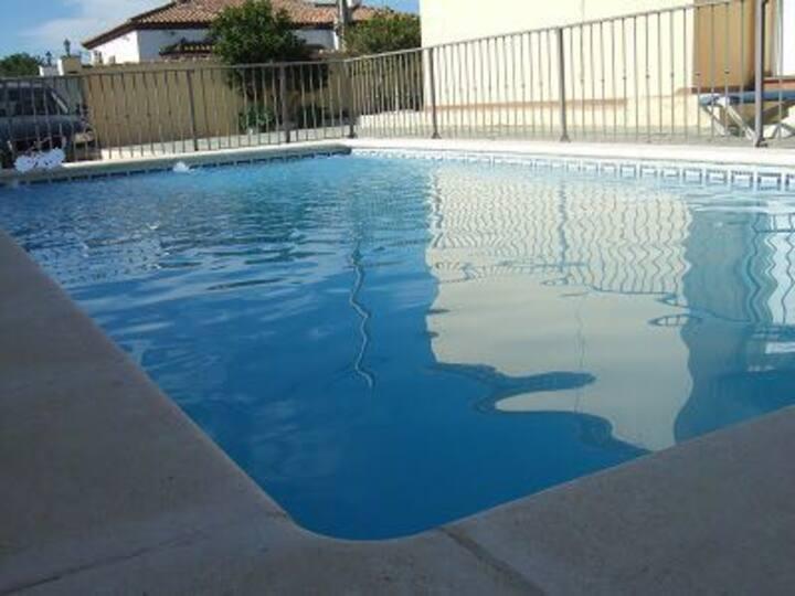 Chalet para 8 personas con piscina y wifi