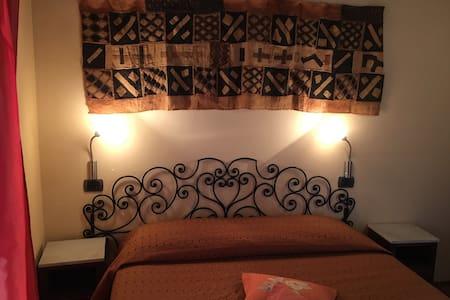 Aromatario, Appartamento nel cuore delle Langhe - Borgonovo - Inny