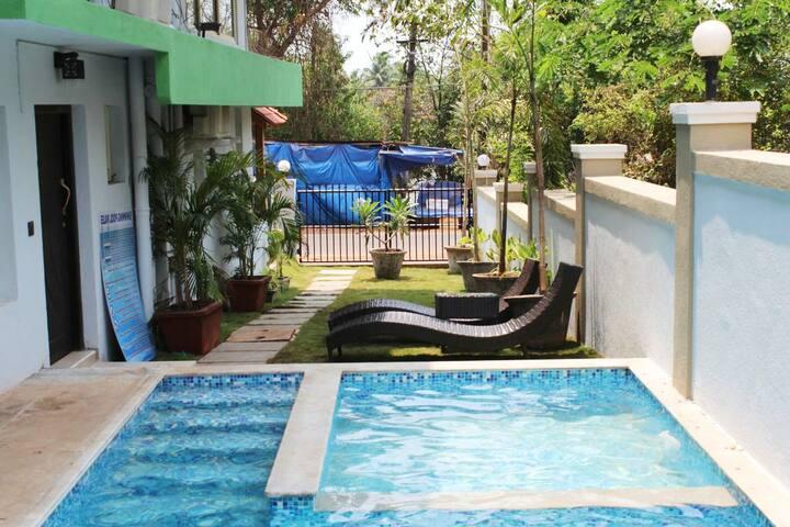 Hide Away Rooms With Pool Near Baga Beach KRR