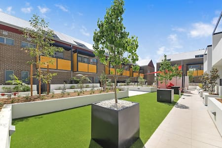 Brand New Townhouse close to City/Beaches - Botany - ทาวน์เฮาส์