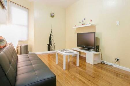 2 BED.APT.-5 MINS TO TRAIN AND 10 MINS TO MIDTOWN!
