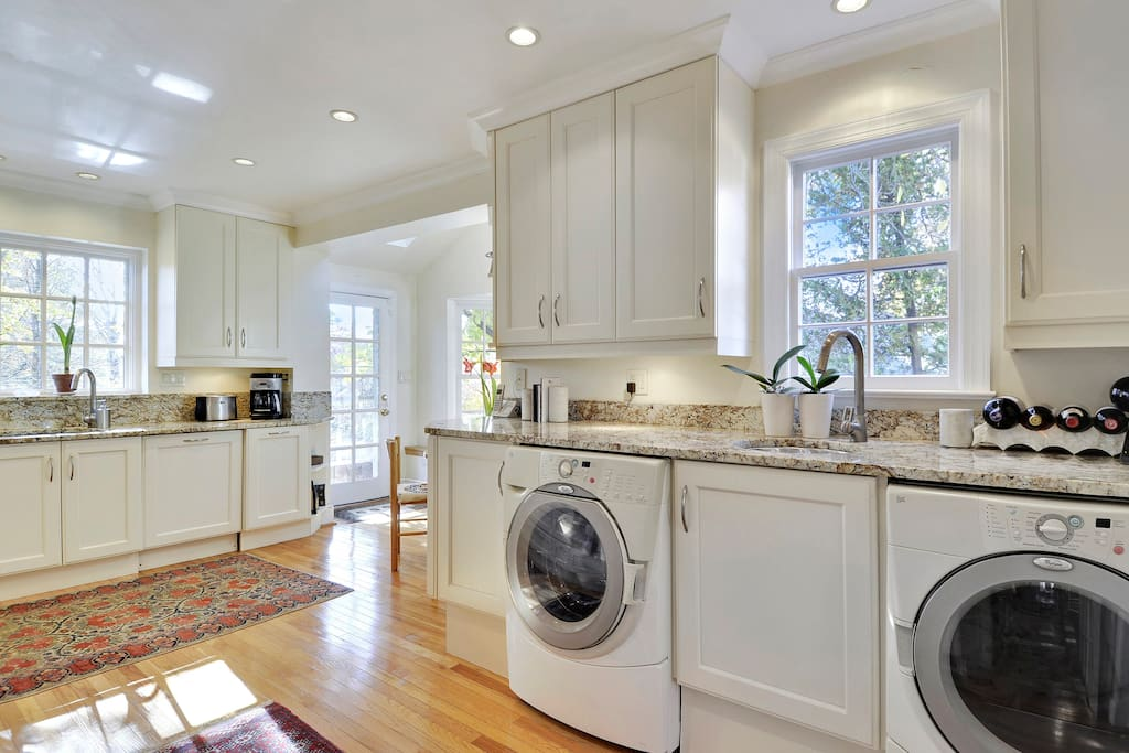 Kitchen with washer & drier