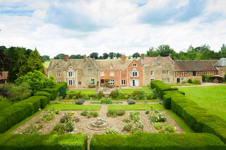 Broadfield:A luxury country house -Rule of 6 stays