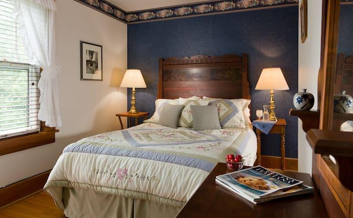 Poplar Room - The White Oak Inn