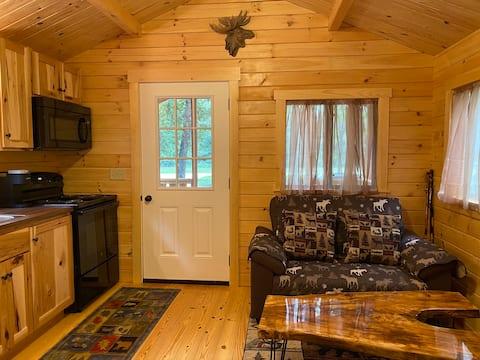 Wildlife Theme New Tiny House Cabin WIFI TV