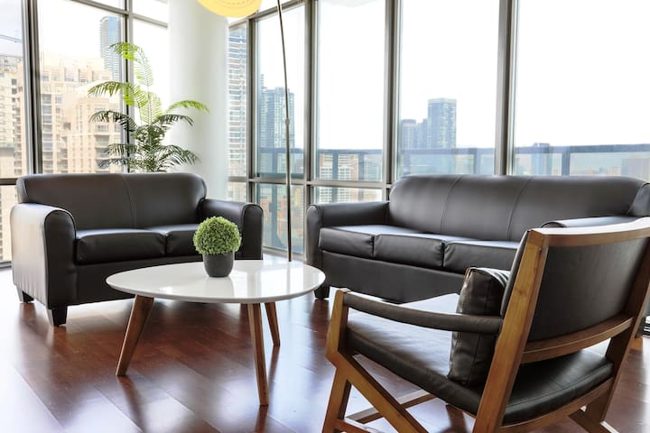 STUNNING CORNER TERRACE VIEW SUITE 2BED2BATH FOR 8