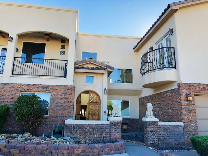 NE Heights Luxury ABQ Home with Private Studio Apt