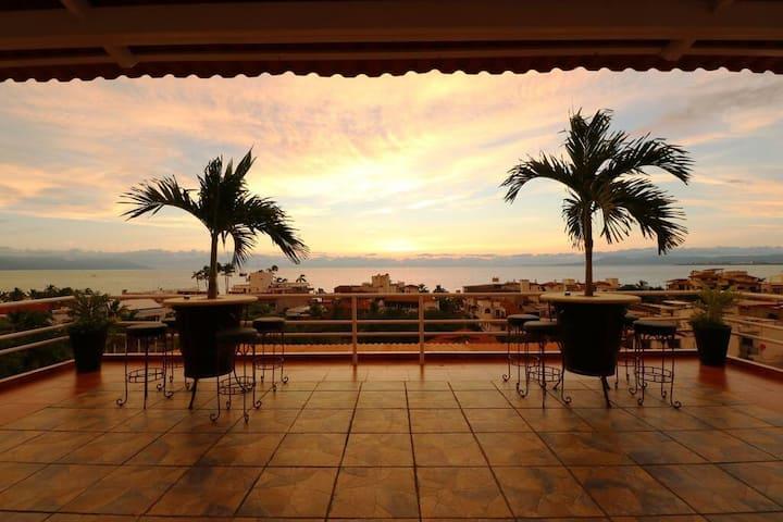 Studio Tequila Honor del Castillo WiFi A/C RoofTop