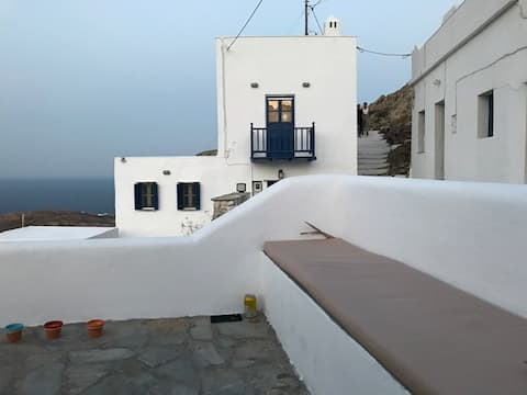 "Traditional maisonette ""View to the Aegean Sea"""