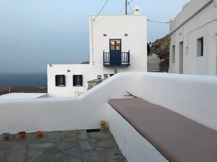 """Traditional maisonette """"View to the Aegean Sea"""""""