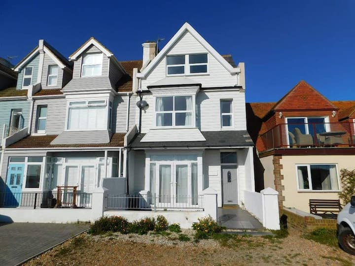 Stunning East Sussex 4 Bed House, Private Beach