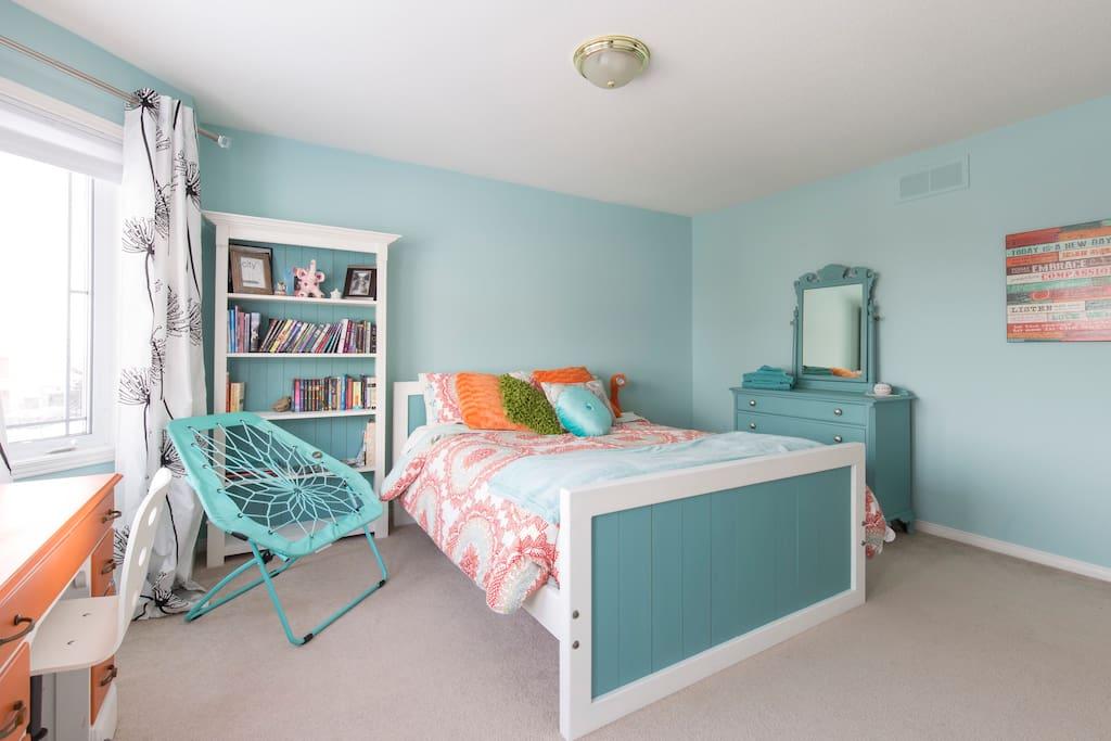 Barrhaven Room For Rent