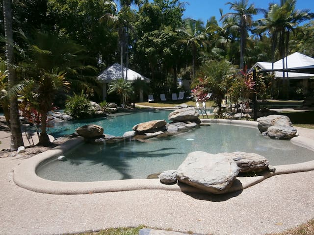 Nautilus BnB Luxury Resort Villa - Port Douglas - Pis