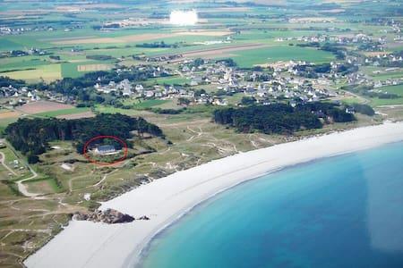 Maison avec accès direct à la plage - Ploudalmézeau