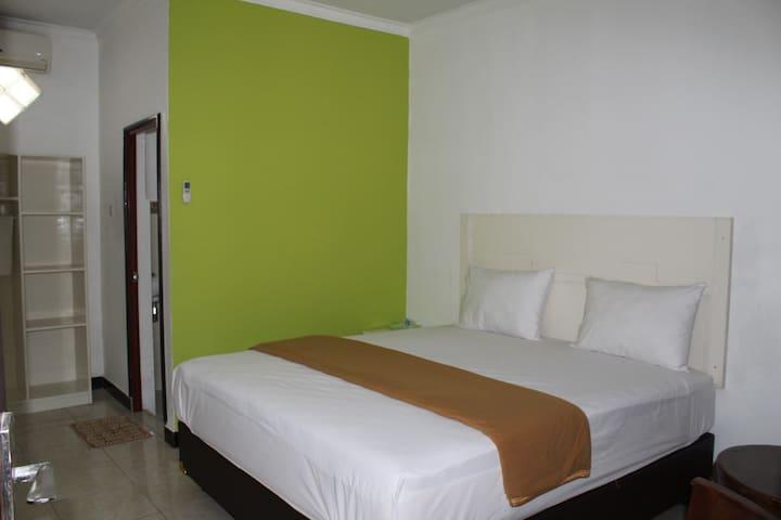 Standard Double Room - Omega Hotel Lombok