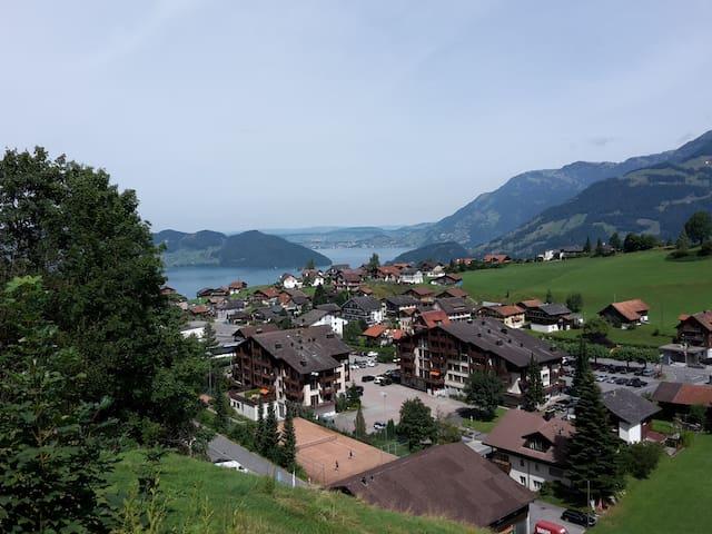 Ferien mit traumhaftem Blick auf See und Bergwelt - Emmetten - Casa