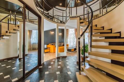 Роскошная двухуровневая квартира, ул.Михайловская