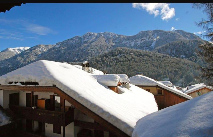 Dolomiti Val di Fassa - Mazzin - Rumah