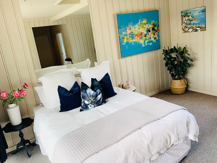Guest suite on Avon