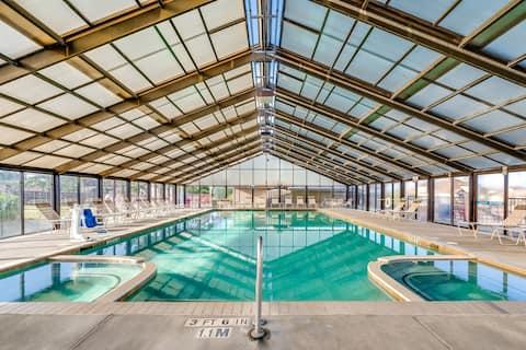 Family Vacation at Lake Conroe! | Villa + 4 Outdoor Pools + 1 Indoor Pool