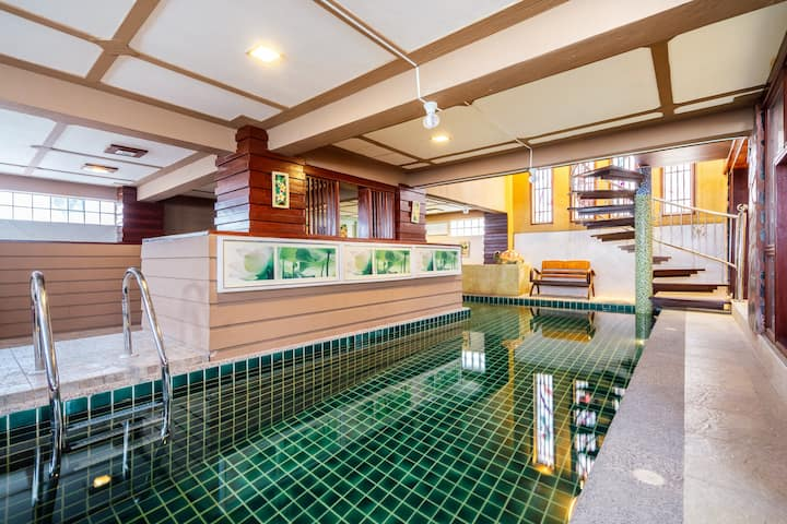 6 Bed Room Thai style private pool
