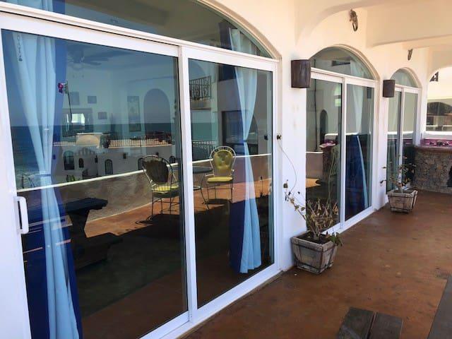 Casa  Vista Mar - Oceanfront Villa - Pool Jacuzzi