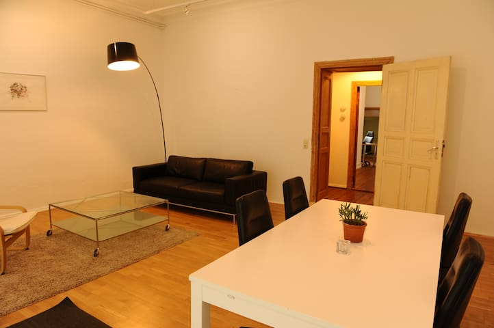 Spacious Apartment in the heart of Berlin