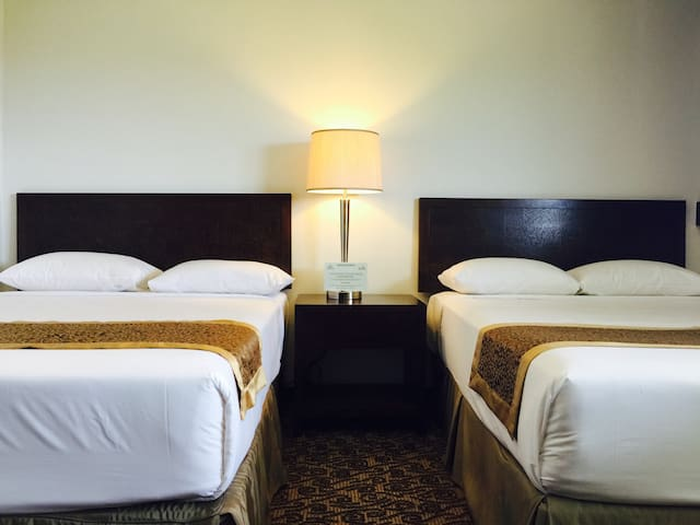 Executive Suites Bedroom 1(some units comes with 2 double beds)