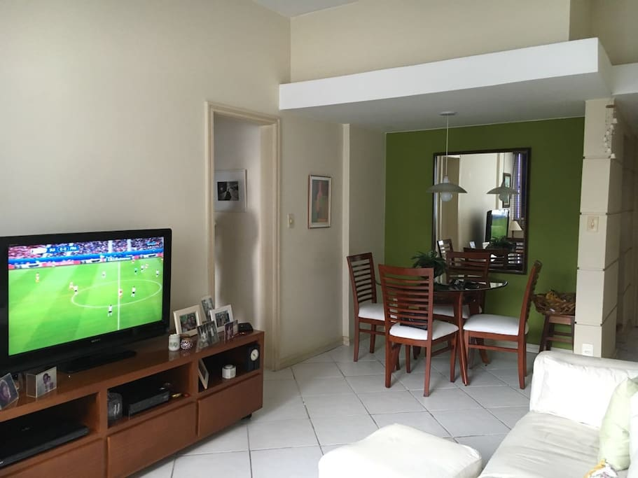 Tv set with cable