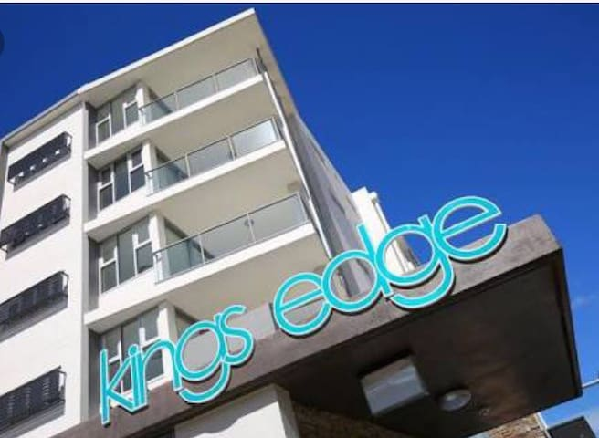 Beach front holiday unit - Kings Beach - Apartment