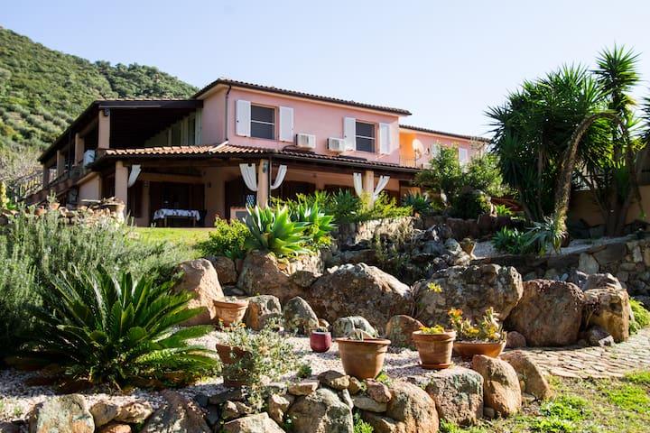 5A - Appartamento per famiglie in Ogliastra