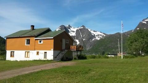 Feriehus midt i Raftsundet,  Vesterålen / Lofoten