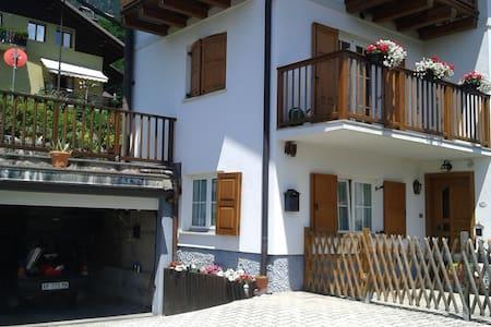 La casota di Sant'Orsola - House