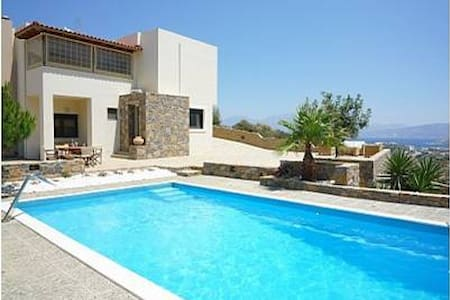 Luxury Villa in Agios Nikolaos - アイオスニコラオス