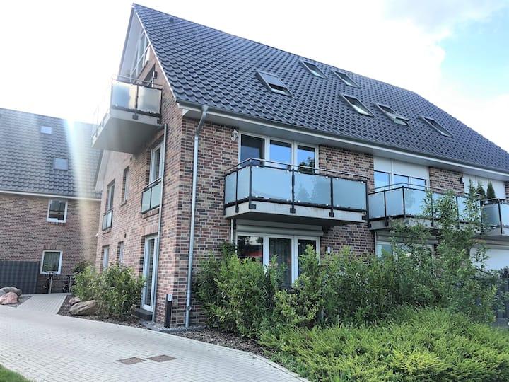 Moderne Ferienwohnung für max. 4 Gäste mit Balkon