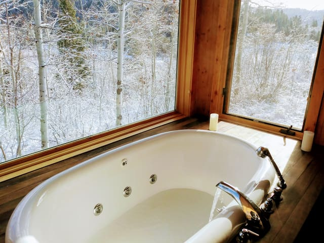 """Guest Room in """"Tanager in the Tetons"""""""