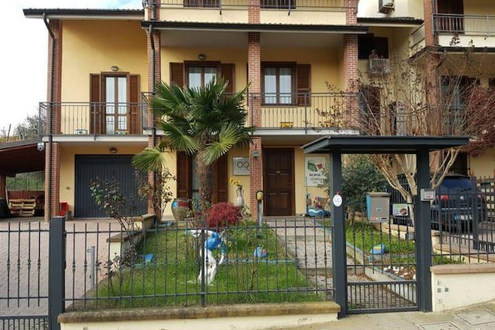 Avello's House - Spazioso con varie soluzioni - Miradolo Terme - Huis
