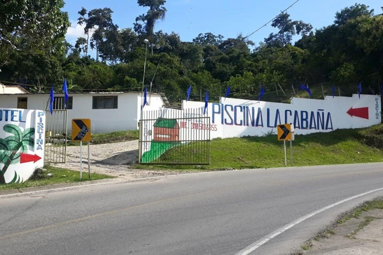 FACHADA HOTEL PISCINA LA CABAÑA