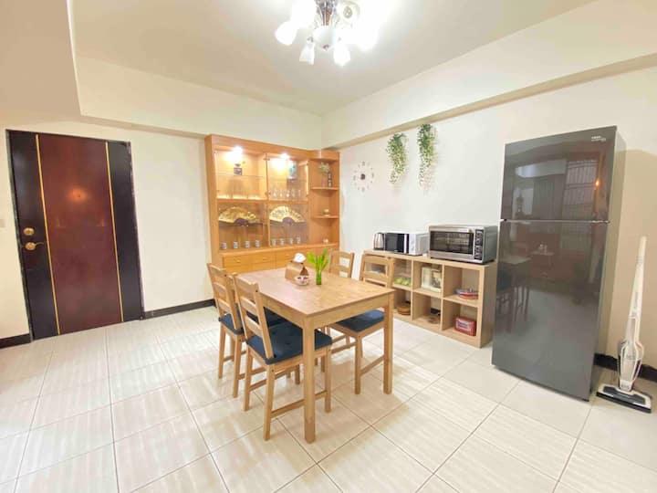 (月租Month)Beautiful apartment/1 min to MRT/Elevator