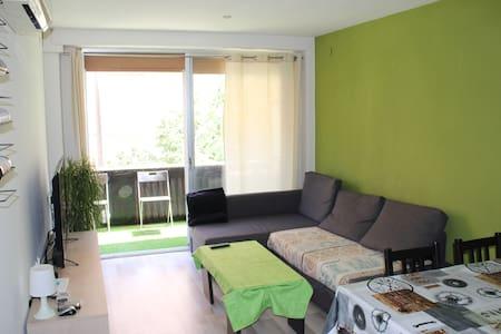 Single room with single bed in Reus City Center