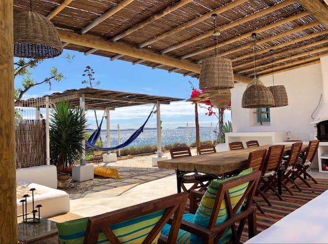 Magnífica casa en primera línea de mar