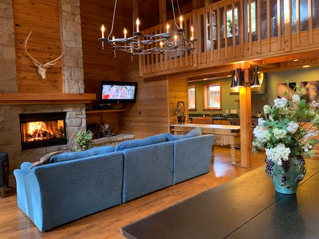 North Lake Tahoe Luxury House near Squaw/Northstar