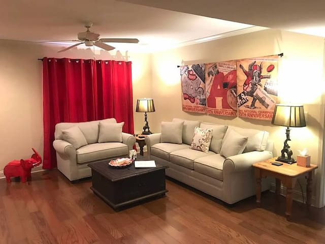 Dynasty Den Condo - CDC Recommended Cleaning!