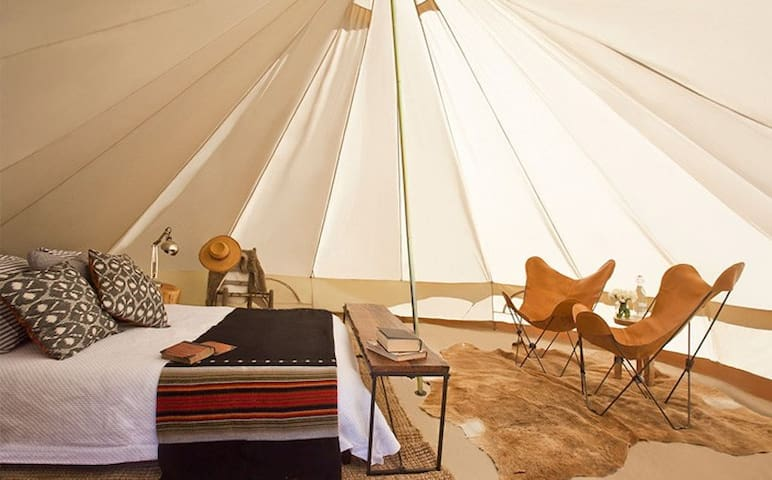 Base Camp: Luxury Furnished Tent by Shelter-Co - Thermal - Tenda