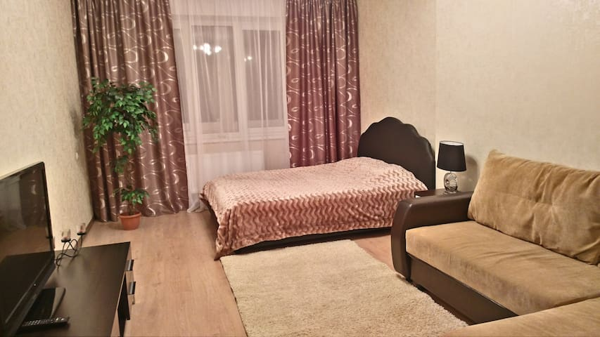 Просторная квартира возле метро Малиновка! - Minsk - Apartment