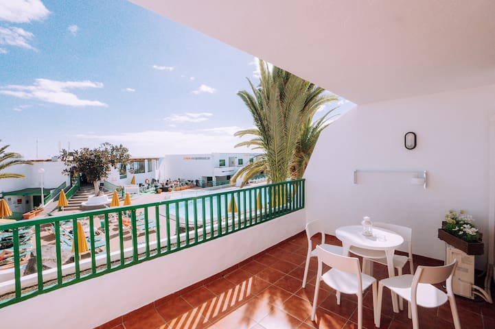 Apartment in Amazing Complex 1 min to the Beach!