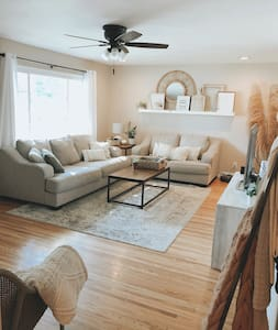 The Barretts Place - cozy home with great location