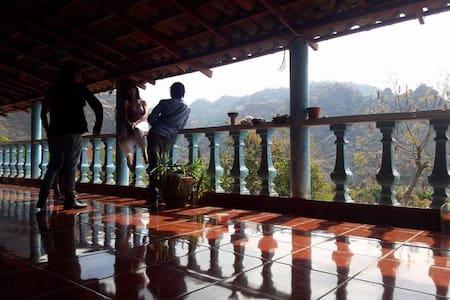 hostal y camping OMEYOKAN amatlan,tepoztlan,mor. - Amatlán de Quetzalcóatl - Hostel